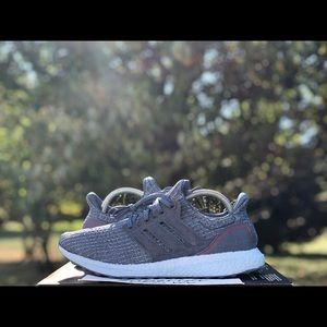 "Adidas Ultra Boost 4.0 ""Glow Blue"" Size 9"